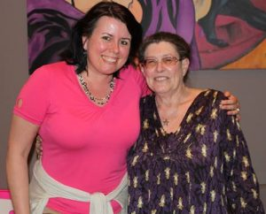 Judy Hall-lal, a Kristálybiblia írójával